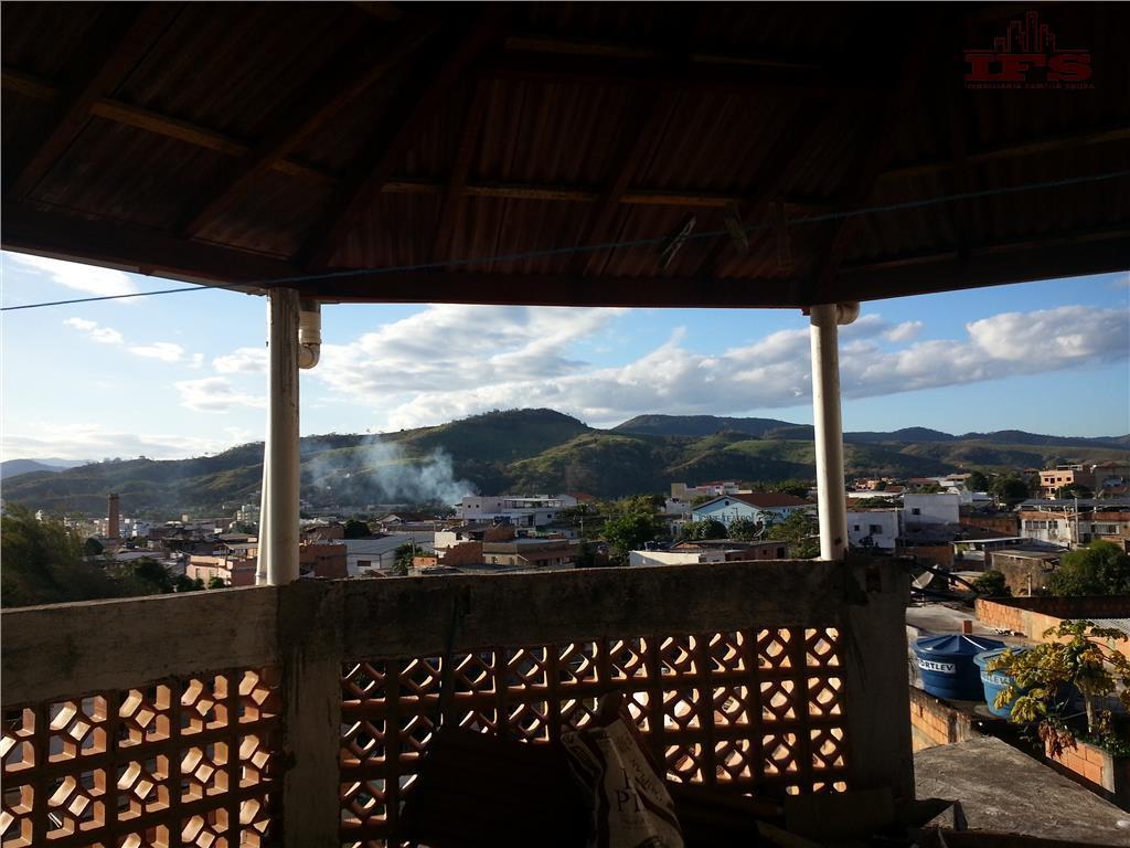 Sobrado residencial à venda, São Vicente, São Fidélis.