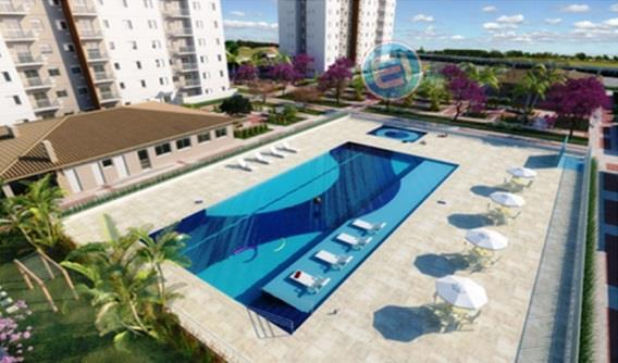 apartamento de 2 dormitórios, sendo uma suíte, sala para 2 ambientes, 2 vagas e quintal. é...
