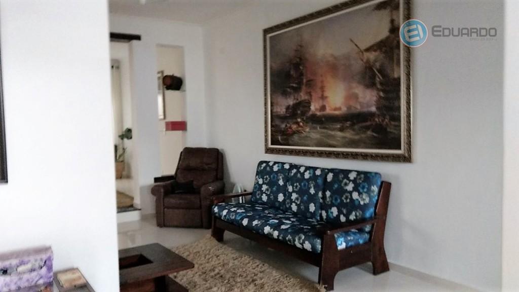 ótima casa com 3 dorms sendo 1 suíte, sala 2 ambientes garagem para 4 carros, edícula...