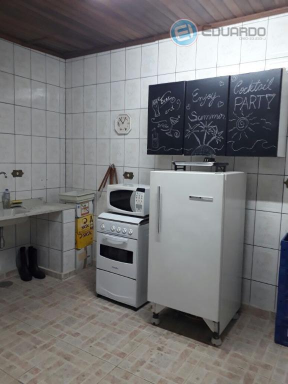 casa com 3 dorms sendo 1 suíte, cozinha, sala 2 ambientes, 4 banheiros, garagem para4 carros,...