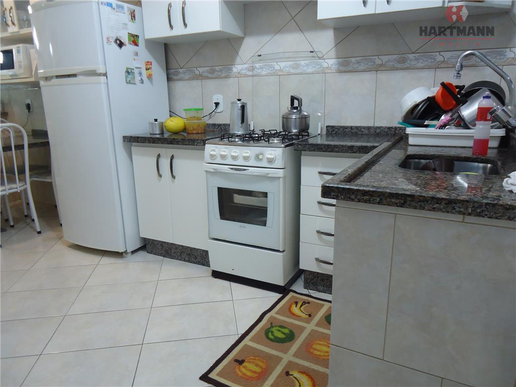 residência com 4 dormitórios (suite com closet), sala de estar, sala de jantar, cozinha com armários,...