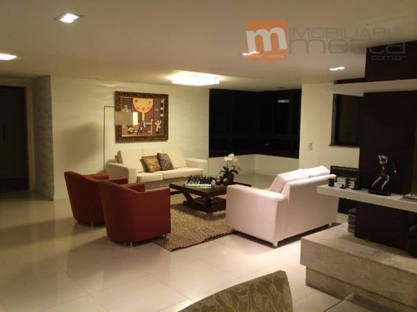 Lindo apartamento com 3 salas, 3 suites, e 3 vagas de garagem no bairro Saco Grande. Imóvel de alto padrão!