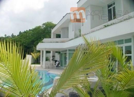 Casa com 5 suítes, 4 delas com vista para o mar, alto padrão de construção, Home Theather c/ lareira, piscina e gar. p/3 carros