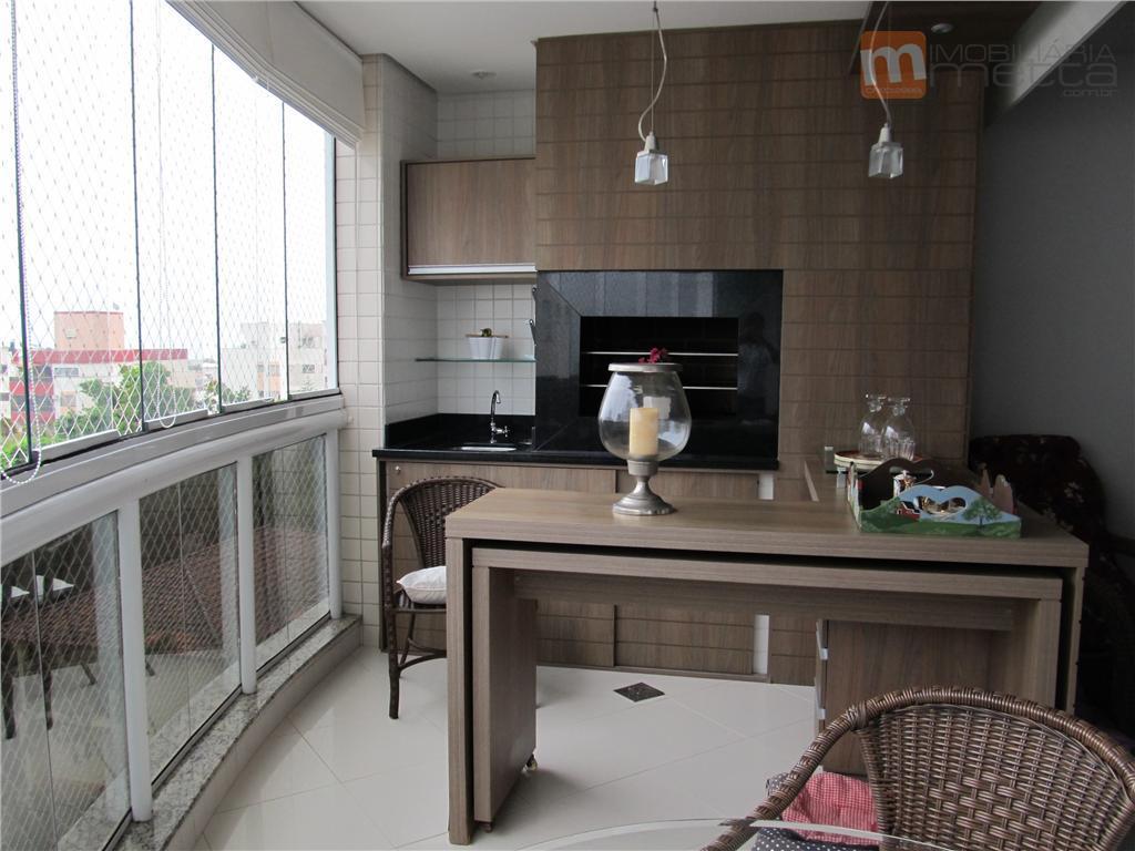 Amplo apartamento com 4 dormitórios e completa área de lazer em Floripa!