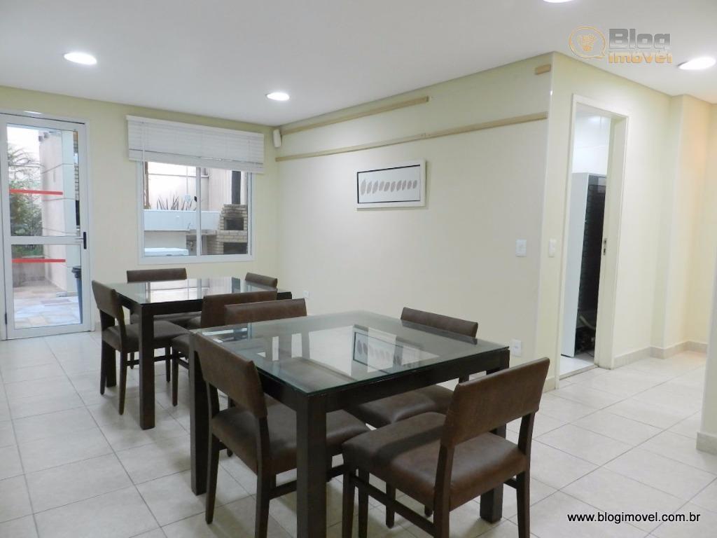 este apartamento é uma junção de 2 unidades. planta bem planejada, terraço, suíte com closet, escritório,...