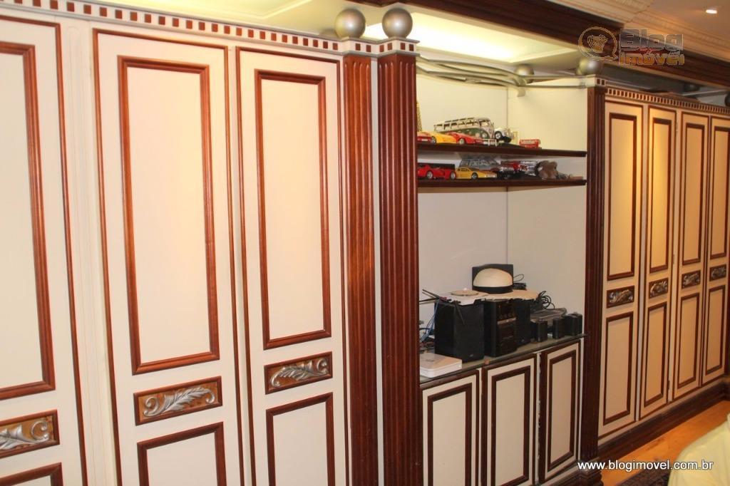 hall privativo, 1 por andar. 04 suítes sendo qua a suíte master tem aproximadamente 100m², incluindo...