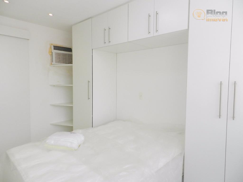 apartamento reformado e mobiliado, com cama de casal, luminárias, sofá, mesa, cadeira, persiana. equipado com geladeira,...
