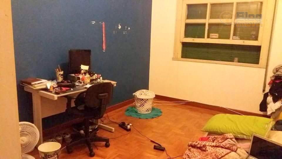 apartamento de 103m², com 3 dormitórios, banheiro social e de serviço, cozinha e área de seviço....