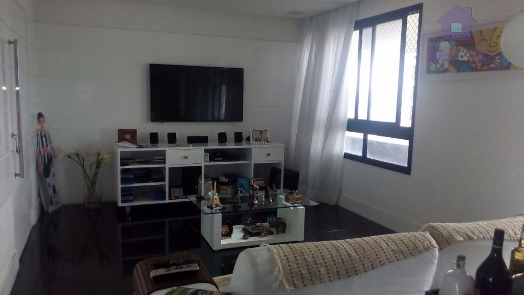 Apartamento 4/4, 03 suítes, 195m², nascente total - Horto Florestal
