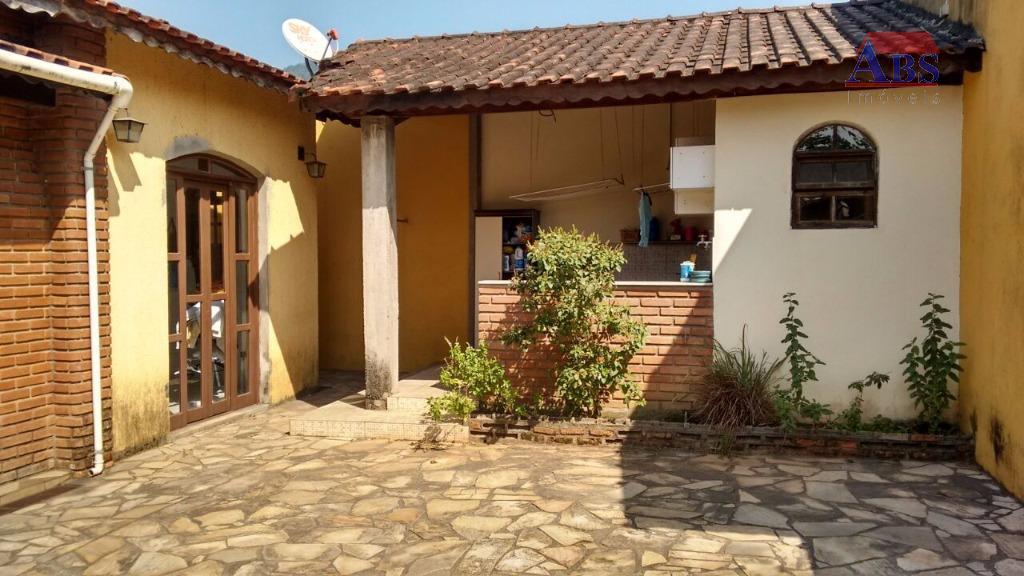 Linda casa isolada à venda, Vale Verde, Cubatão.