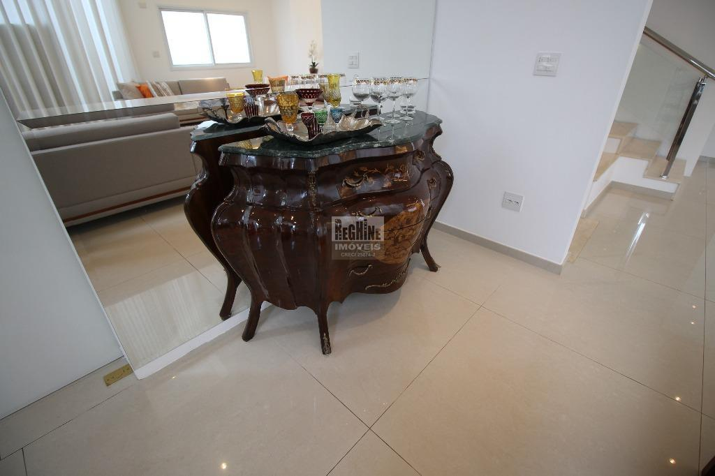 alphaville d. pedro - lindíssima casa totalmente mobiliada e decorada à venda!meio de condomínio, na parte...
