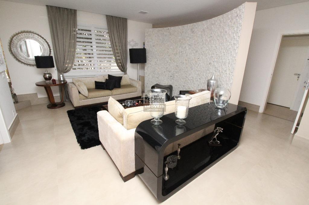 alphaville d. pedro - linda casa em ótima localização no condomínio!rua tranquila e próxima a uma...