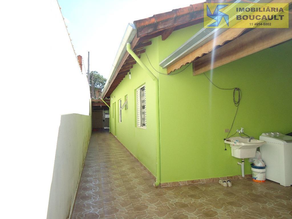 Casa fora de condomínio - Vargem Grande Paulista - SP.
