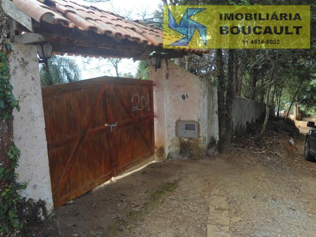 Chácara fora de condomínio em Caucaia do Alto - Cotia.
