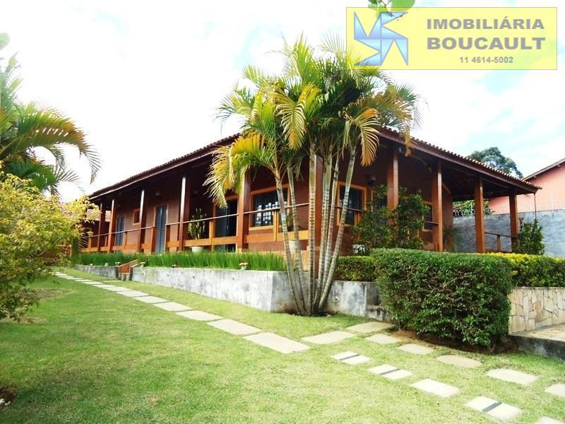 Casa em excelente condomínio Jardim San Ressore, Cotia-SP.