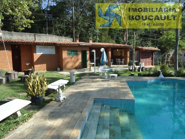 Chácara fora de condomínio em Caucaia do Alto - Cotia - SP.