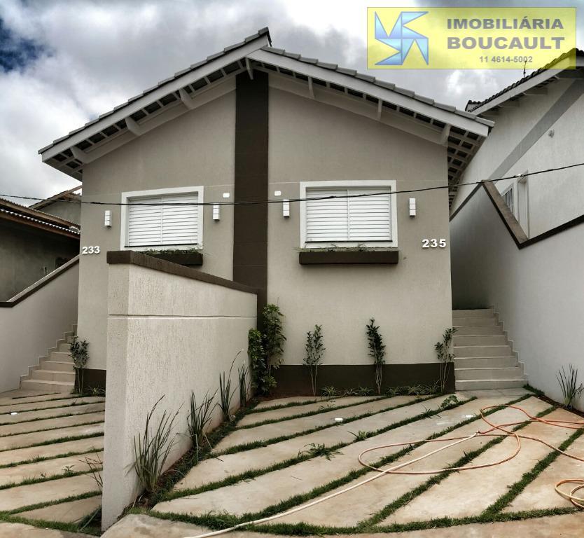 Casa fora de condomínio - Caucaia do Alto - Cotia - SP.