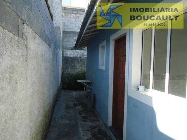 Casa fora de condomínio em Caucaia do Alto - Cotia - SP.