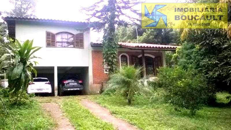 Casa fora de condomínio- Cotia-SP.