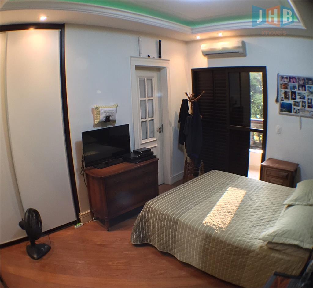 3 suítes com armários, varanda com churrasqueira, sacada, sala 3 ambientes, escritórios, lavabo, copa, cozinha, área...