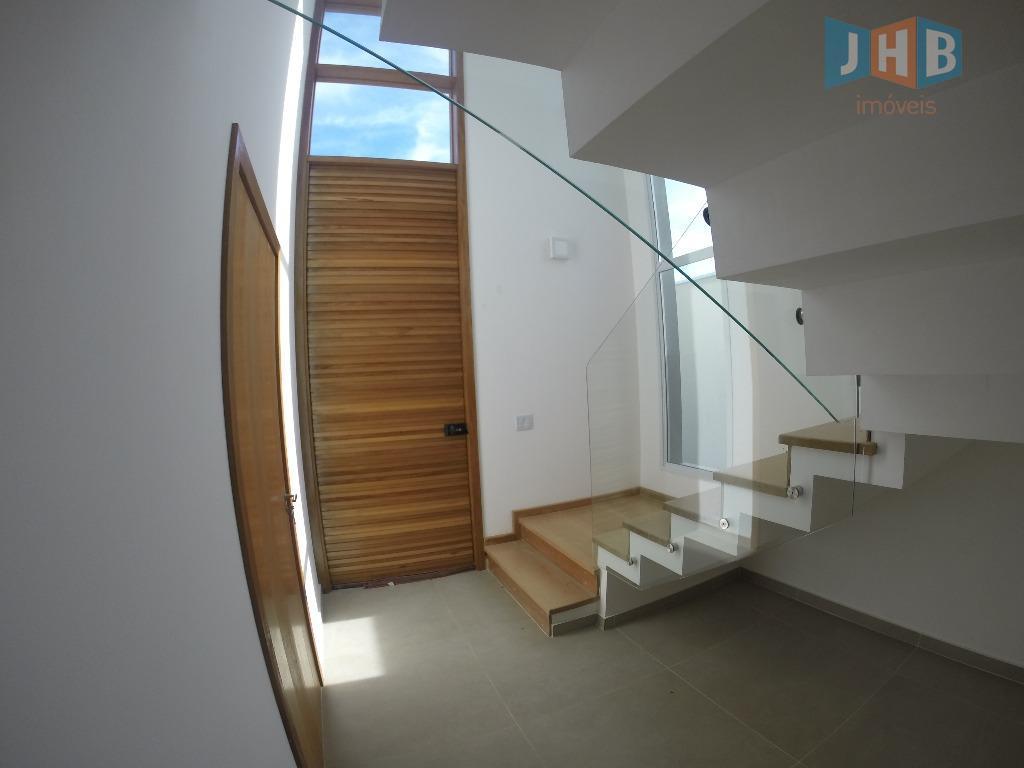4 dormitórios sendo 3 suítes, closet, hidro, sala 2 ambientes, lavabo, wc social, copa, cozinha, área...