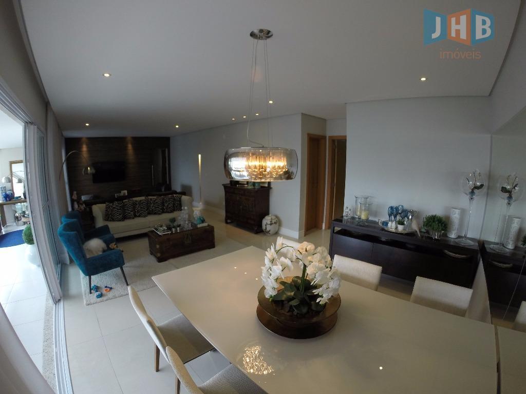 3 dormitórios com armários, sendo 3 suíte, closet, sala 3 ambientes com armário, escritório, lavabo, wc...