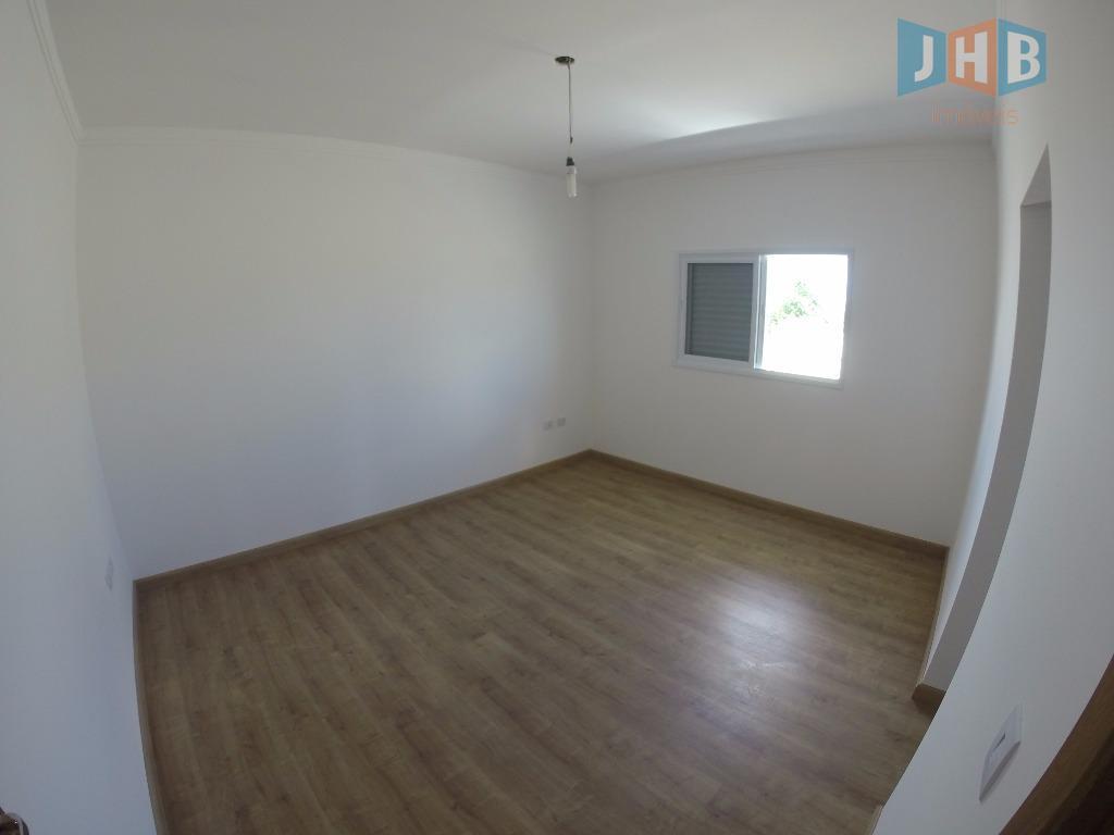 4 dormitórios, sendo 4 suítes, 2 closets, hidromassagem, sala 3 ambientes,sacada, varanda, lavabo, wc social, copa,...