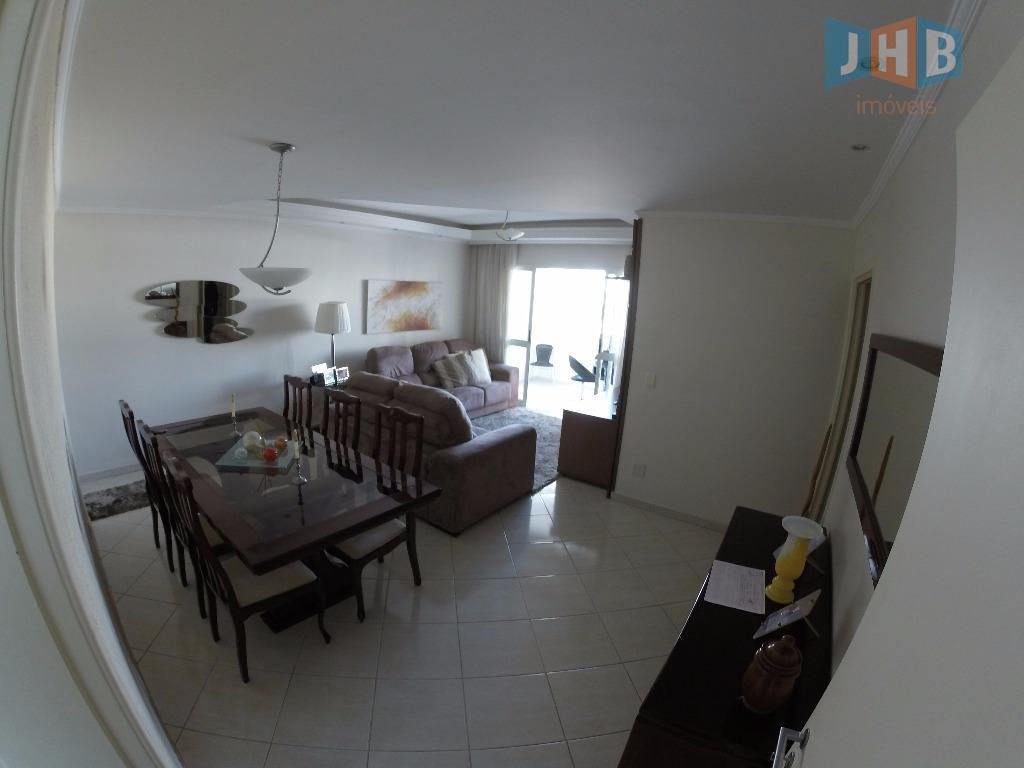 3 dormitórios sendo 1 suíte, sala 2 ambientes com armários, sacada, escritório, wc social, cozinha, despensa,...