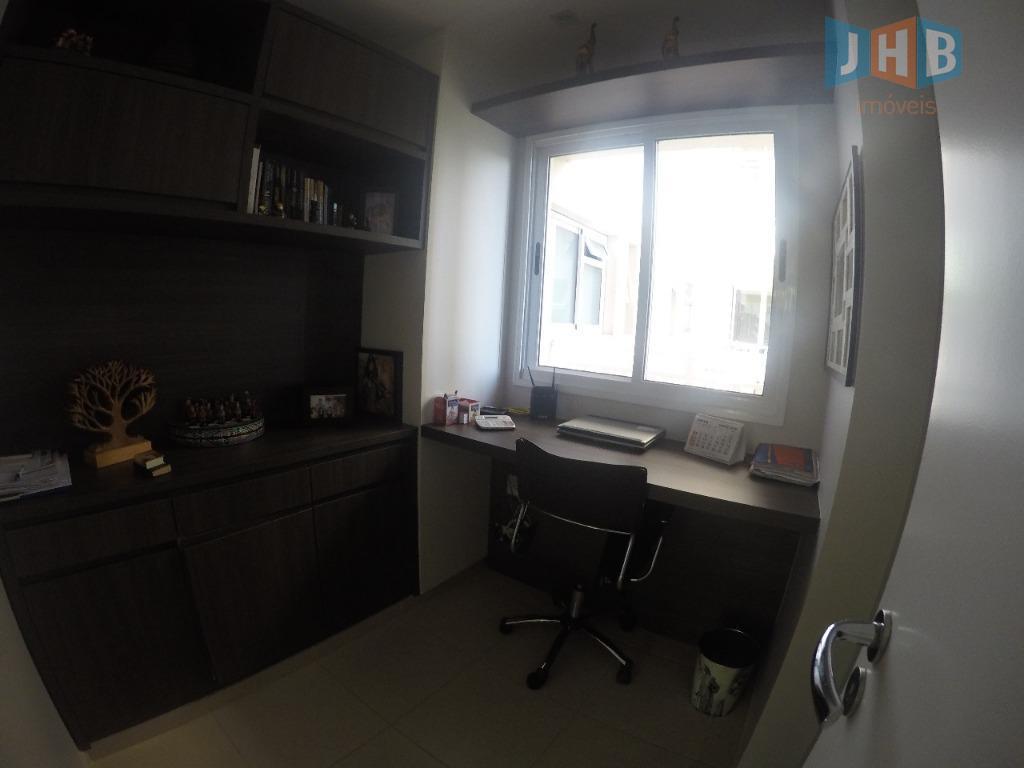 3 suíte com armários sendo 1 closet, sala 2 ambientes com armários, varanda gourmet, escritório, lavabo,...