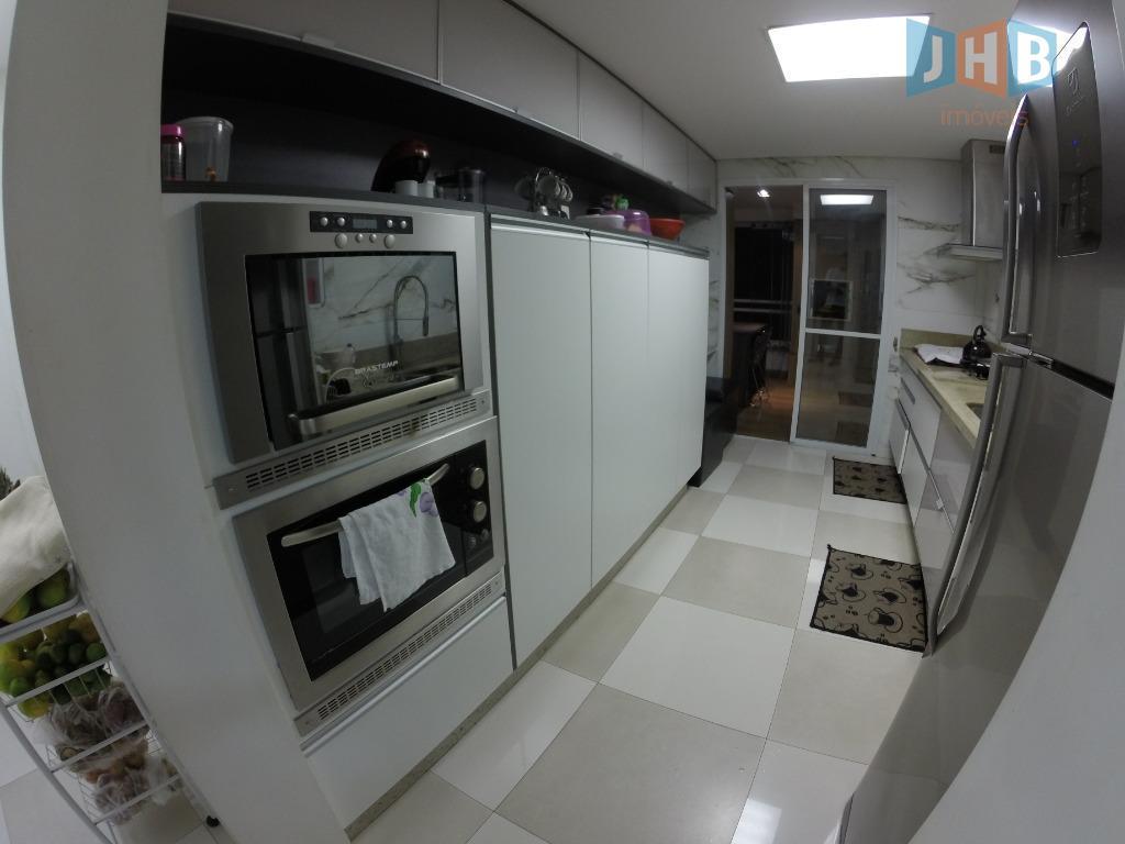 4 dormitórios com armários sendo 2 suítes, sala 3 ambientes com armários, varanda gourmet, lavabo, wc...