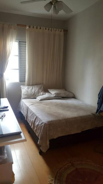 sobrado em excelente localização com 03 dormitórios, wc social, sala, lavabo, cozinha americana, varanda, quintal com...