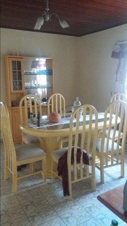 casa em excelente localização, com 02 dormitórios, sala, cozinha, banheiro, terraço, vaga para 02 carros cobertos.