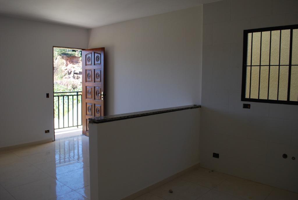 sobrado novo em condominio com 2 dormitórios, sala, cozinha americana, wc., social, lavabo, e garagem para...