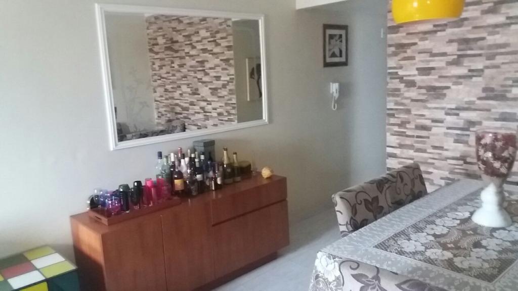 apartamento amplo com excelente localização composto por 2 dormitórios com armários planejados, wc social com box...