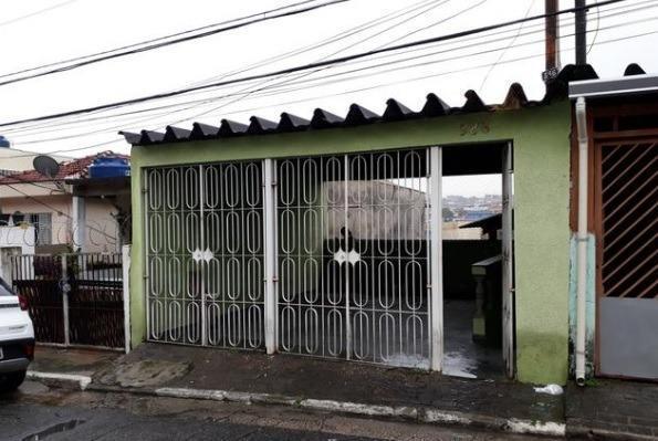 Casa térrea próximo a Av. Cabo Adão Pereira
