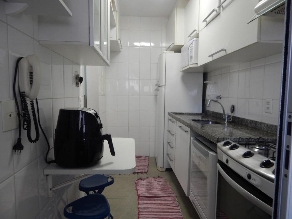 apartamento com 2 dormitórios sendo 1 uma suíte, sala integrada com a varanda cozinha planejada condomínio...