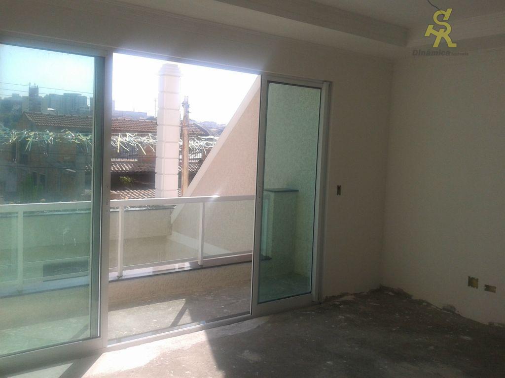 sobrado novo 3 suite, sala,wc social, cozinha com balcão de mármore, lavabo, quintal com churrasqueira, corredor...