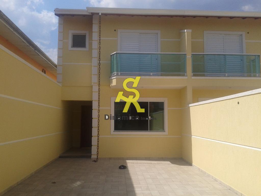 3 dormitórios sendo 1 suite, sala ampla, lavabo, cozinha, lavanderia, churrasqueira, garagem 4 vagas grandes, rua...
