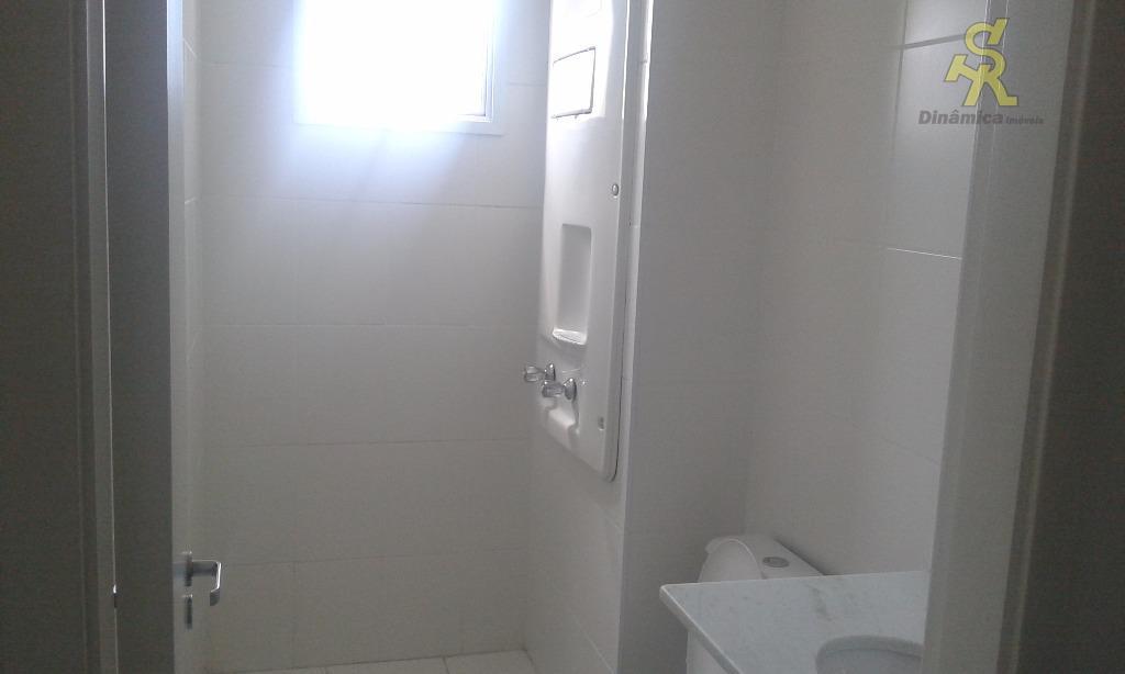 2 dormitórios(sendo 1 suite com sacada), sala 2 ambientes com sacada, cozinha americana, wc social e...