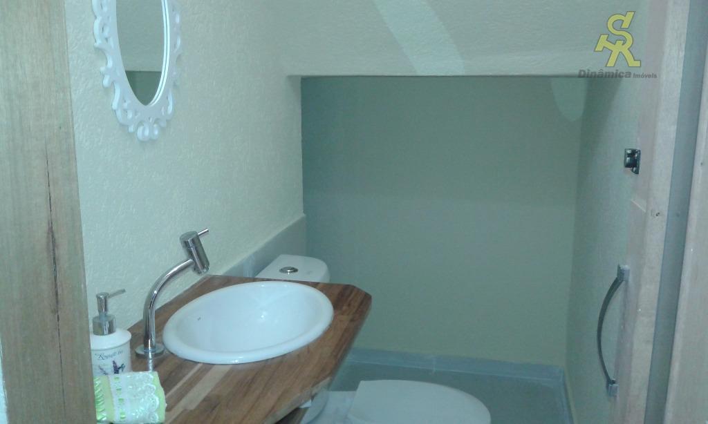 sobrado com 3 suítes grandes sendo uma delas com solarium, sala com 2 ambientes integrada com...