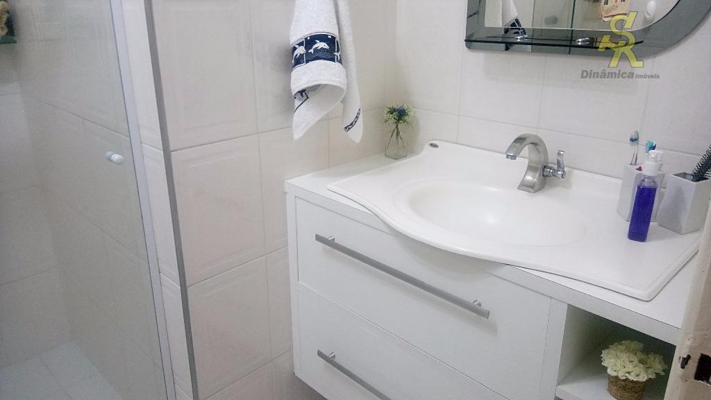 lindo sobrado - cachoeirinha 02 dorms. c/excelentes armários, sala, cozinha rica em armários, banheiros box blindex...