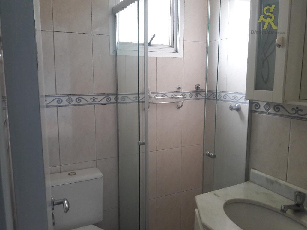 apartamento com 2 dormitórios com armários planejados, sala 2 ambientes, cozinha com armários, wc, lavanderia, 1...