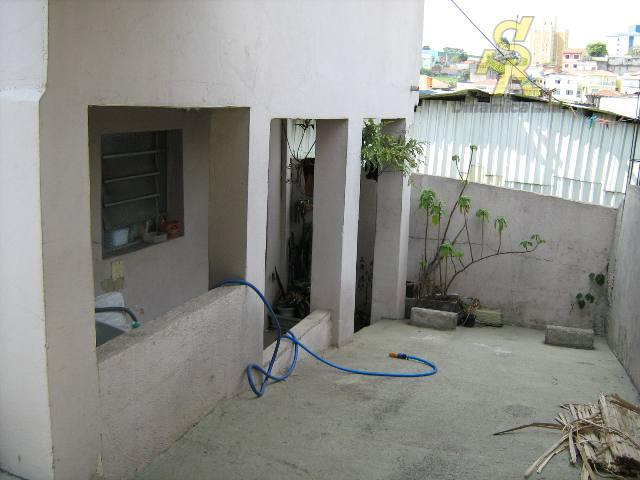 2 dormitórios, sala, cozinha, wc, lavanderia, quintal, 3 vagas de garagem, edicula com 1 dormitório cozinha,...