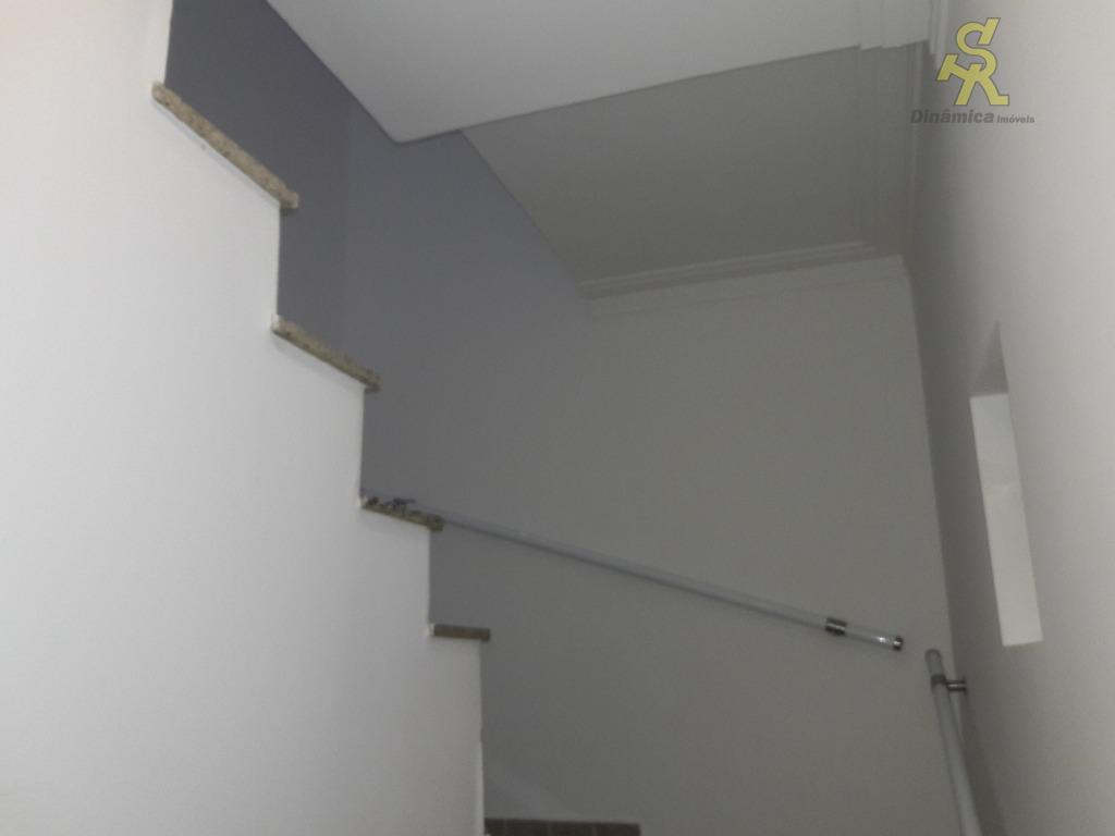 2 suítes enormes com armários planejados, sala 2 ambientes , cozinha planejada com ilha de granito,...