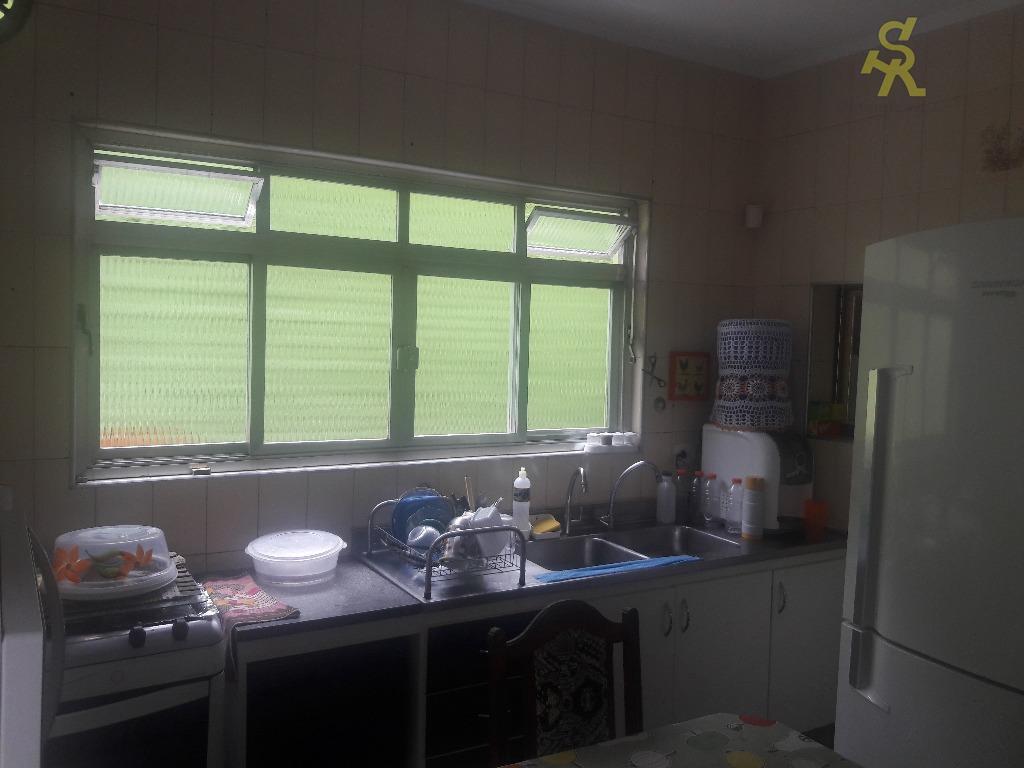 3 dormitórios, sendo 2 suítes uma delas com hidro, wc social, sala 2 ambientes, sala de...