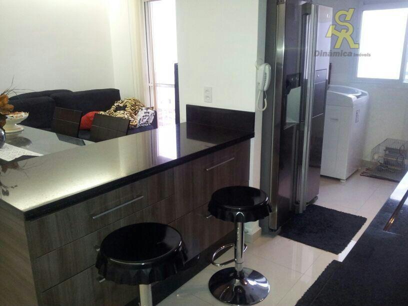 2 dormitórios , sala, banheiro, cozinha americana planejada inclusive com os eletrodomésticos , varanda, ultimo andar,...