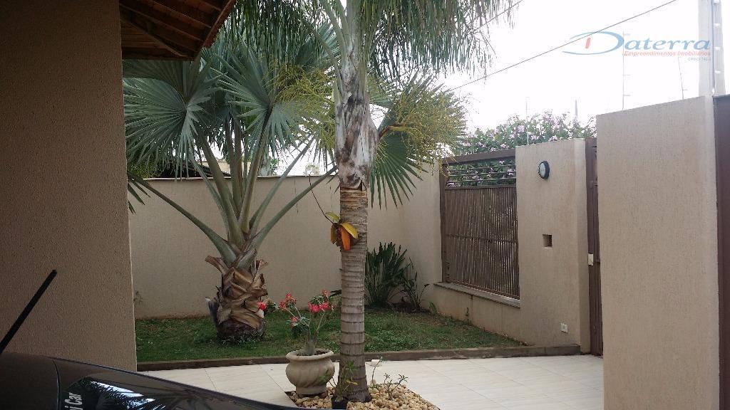* área de lazer com ampla varanda.