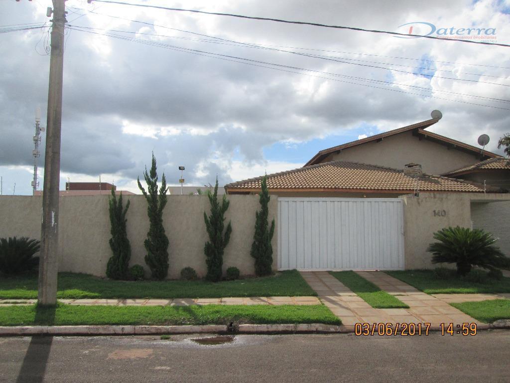 Casa residencial à venda, Ipê, Três Lagoas.
