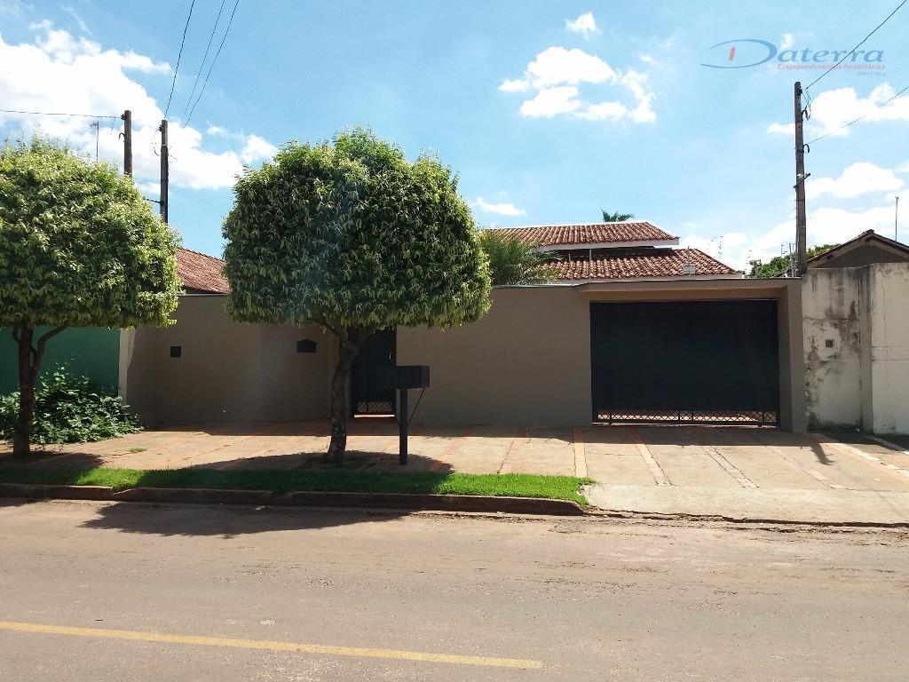 Casa residencial à venda, Interlagos, Três Lagoas.