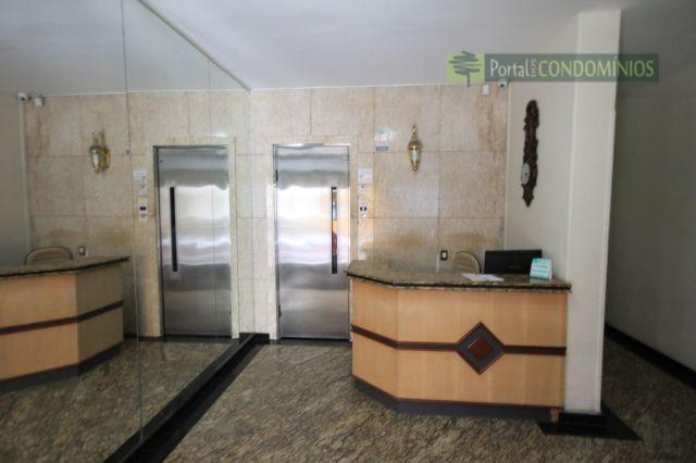 Apartamento residencial à venda, Centro, Curitiba - AP0328.
